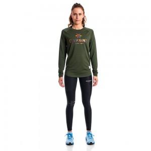 Steht Läuferinnen und Läufern gut: Das Saysky Camo Logo LS Tee in Army Green - Foto: (c) Saysky