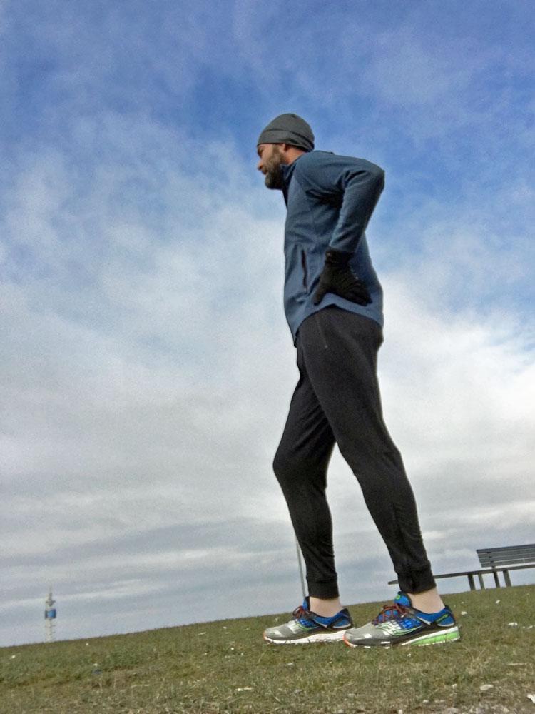 Mollig warm und voll atmungsaktiv Dank Climaheat-Isolation: Climaheat Hose und Z.N.E Climaheat Kapuzenjacke von Adidas